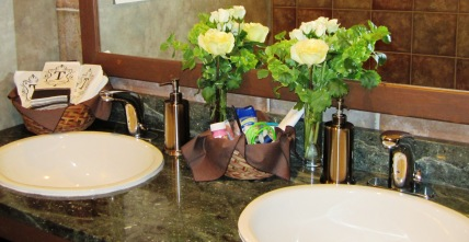 wedding-flowers-bathroom